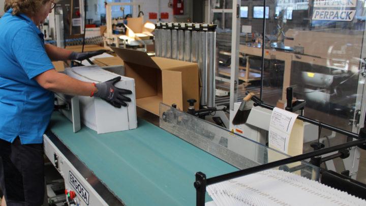 ERGOSA Universal Packer from IMPACK is a versatile facilitator at HEYNEN Kartonagenfabrik
